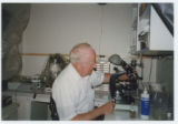 Photo of Willy Burgdorfer in the lab 005